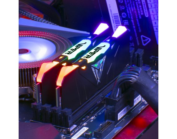 Patriot Pamięć DDR4 LED czarna 16GB 2666(2X8GB) VIPER RGB CL15